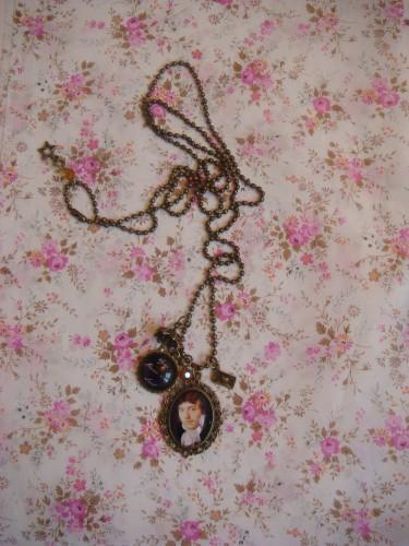 capitaine wentworth, persuasion, jane austen, collier, sautoir, bijoux
